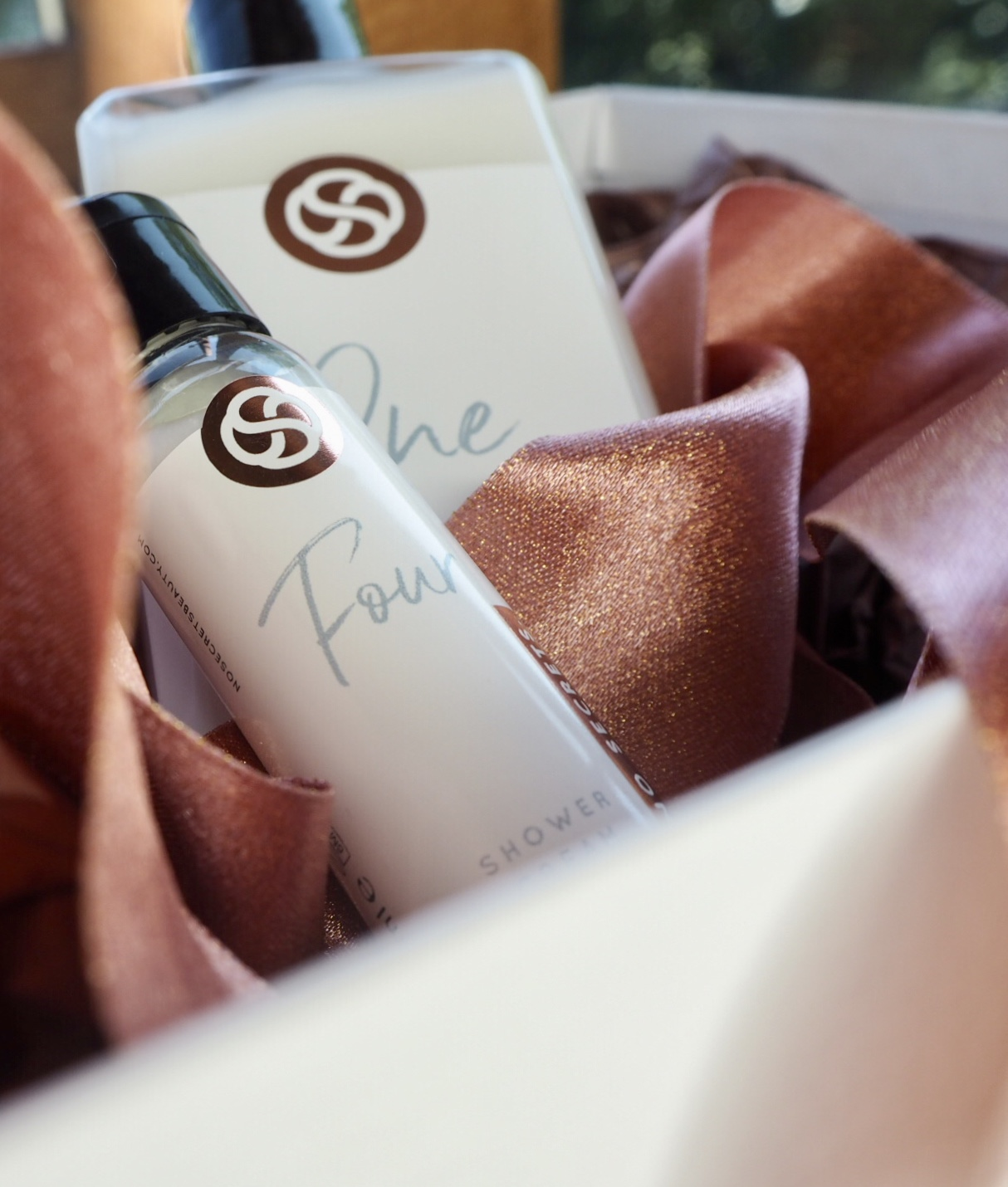 No secrets Shower creams with rose gold packaging
